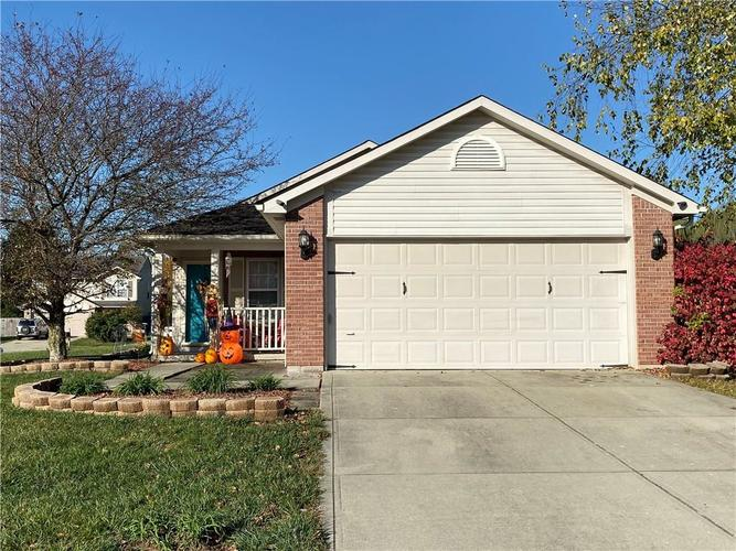 6022 PRAIRIE MEADOW Drive Indianapolis, IN 46221   MLS 21684361   photo 2