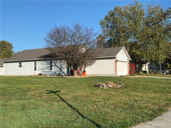 6022 PRAIRIE MEADOW Drive Indianapolis, IN 46221   MLS 21684361   photo 3