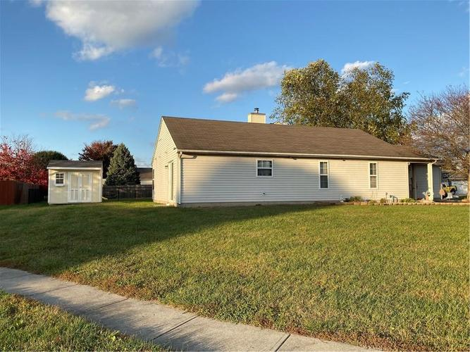6022 PRAIRIE MEADOW Drive Indianapolis, IN 46221   MLS 21684361   photo 6