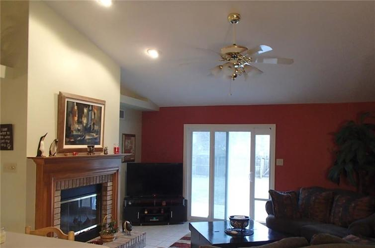 7427 Bancaster Drive Indianapolis, IN 46268 | MLS 21684381 | photo 10