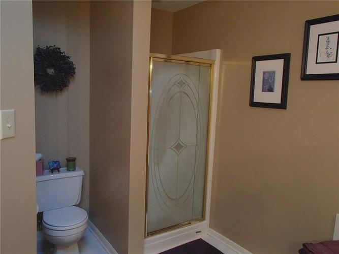 7427 Bancaster Drive Indianapolis, IN 46268 | MLS 21684381 | photo 15