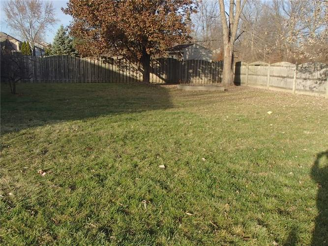 7427 Bancaster Drive Indianapolis, IN 46268 | MLS 21684381 | photo 5