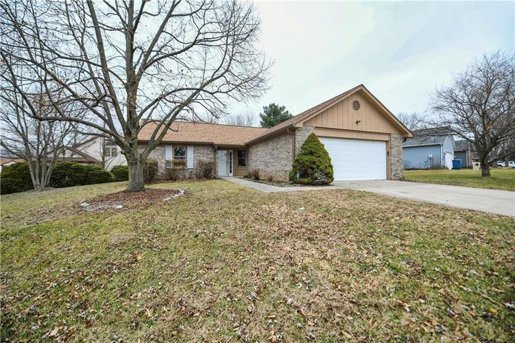 6008 McClellan Court Indianapolis, IN 46254   MLS 21684417   photo 2