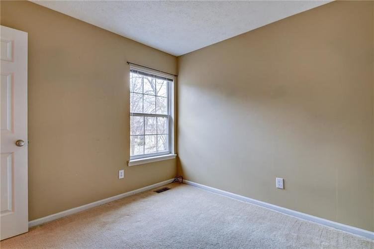 9555 Longwell Drive Indianapolis, IN 46240 | MLS 21684484 | photo 20