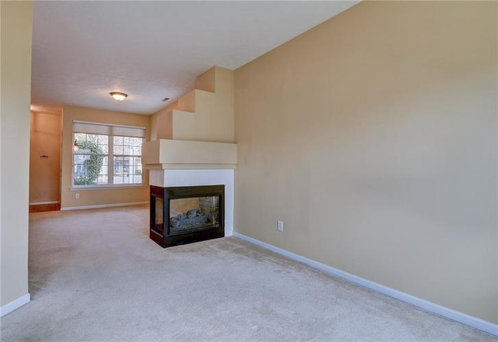 9555 Longwell Drive Indianapolis, IN 46240 | MLS 21684484 | photo 7
