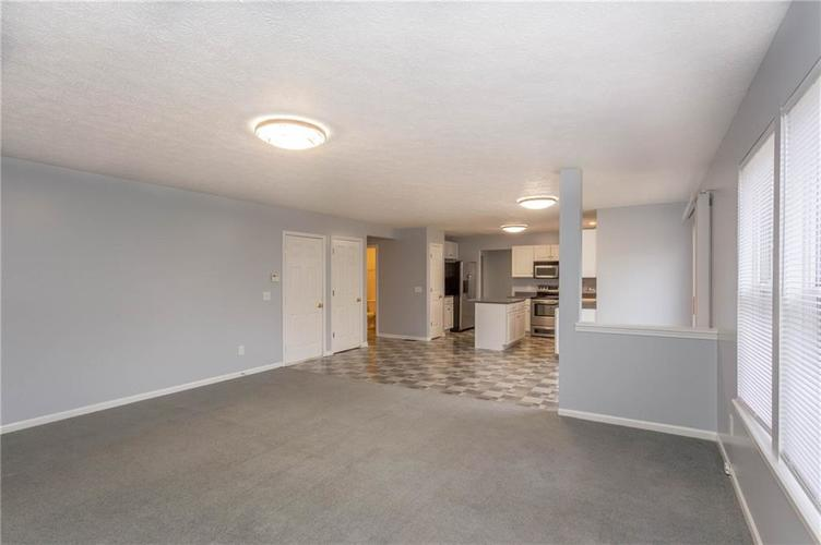 7825 Inishmore Drive Indianapolis, IN 46214   MLS 21684511   photo 18