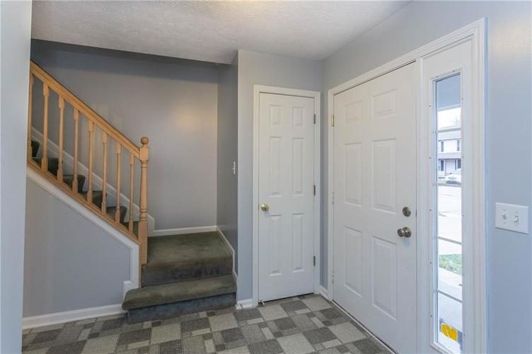 7825 Inishmore Drive Indianapolis, IN 46214   MLS 21684511   photo 2