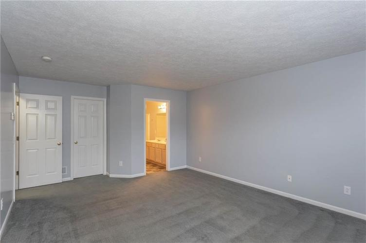 7825 Inishmore Drive Indianapolis, IN 46214   MLS 21684511   photo 20