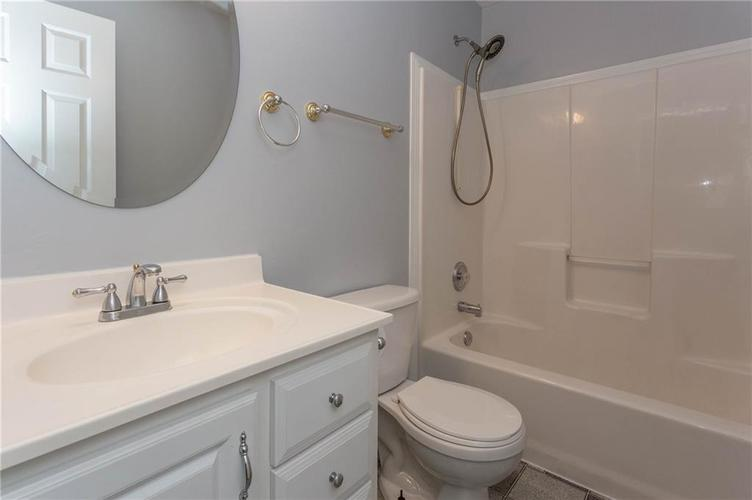 7825 Inishmore Drive Indianapolis, IN 46214   MLS 21684511   photo 28