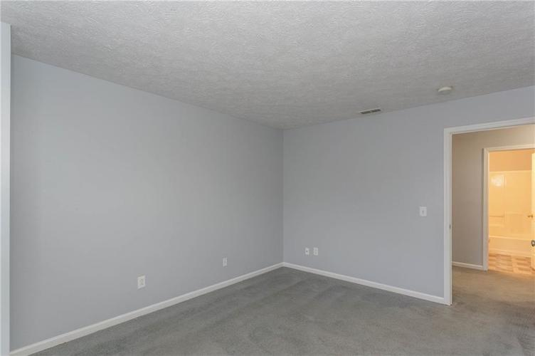 7825 Inishmore Drive Indianapolis, IN 46214   MLS 21684511   photo 30