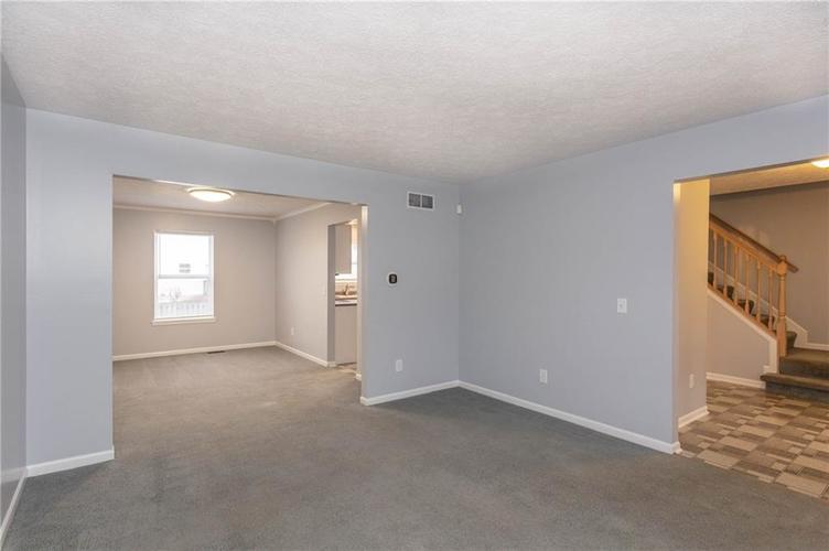 7825 Inishmore Drive Indianapolis, IN 46214   MLS 21684511   photo 5