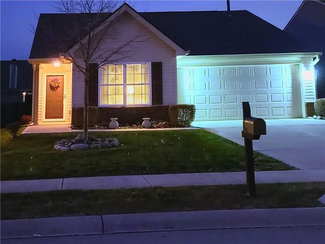 6350 Emerald Springs Drive Indianapolis, IN 46221   MLS 21684519   photo 1