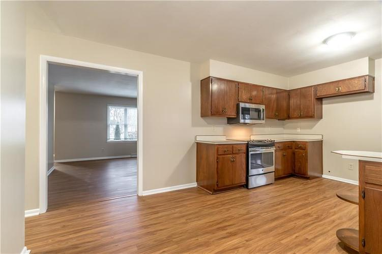 7140 Camelot Court Indianapolis, IN 46214 | MLS 21684542 | photo 13