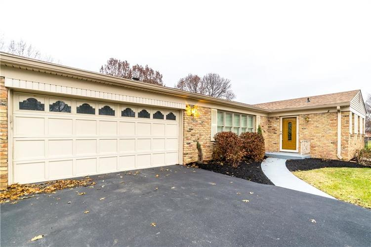 7140 Camelot Court Indianapolis, IN 46214 | MLS 21684542 | photo 2
