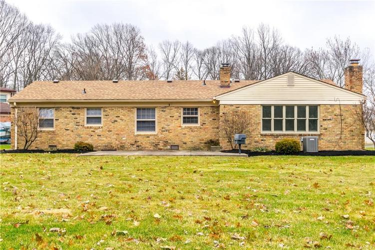 7140 Camelot Court Indianapolis, IN 46214 | MLS 21684542 | photo 4