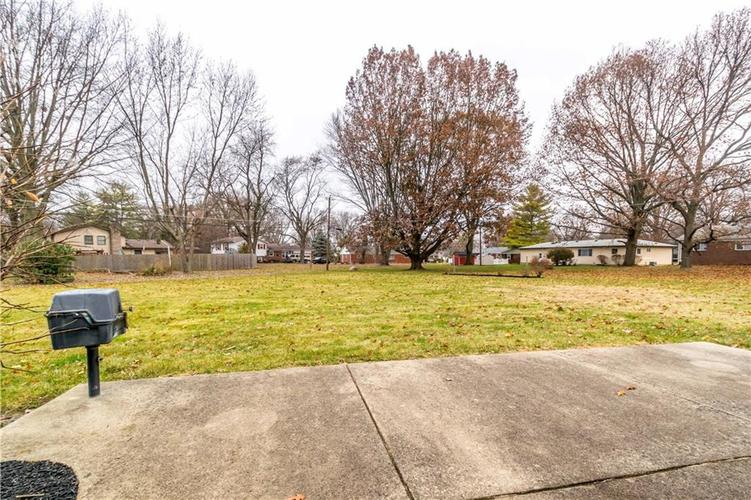 7140 Camelot Court Indianapolis, IN 46214 | MLS 21684542 | photo 8