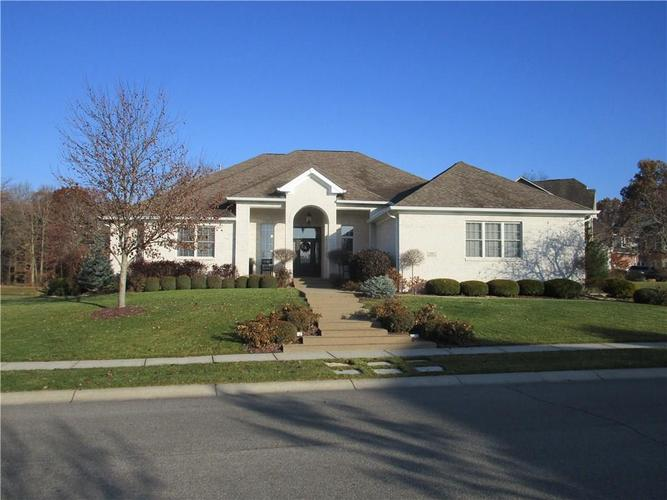 5866 Peaking Fox Drive Indianapolis, IN 46237 | MLS 21684549 | photo 1