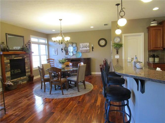 5866 Peaking Fox Drive Indianapolis, IN 46237 | MLS 21684549 | photo 13