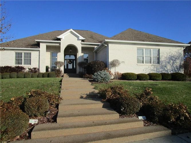 5866 Peaking Fox Drive Indianapolis, IN 46237 | MLS 21684549 | photo 2