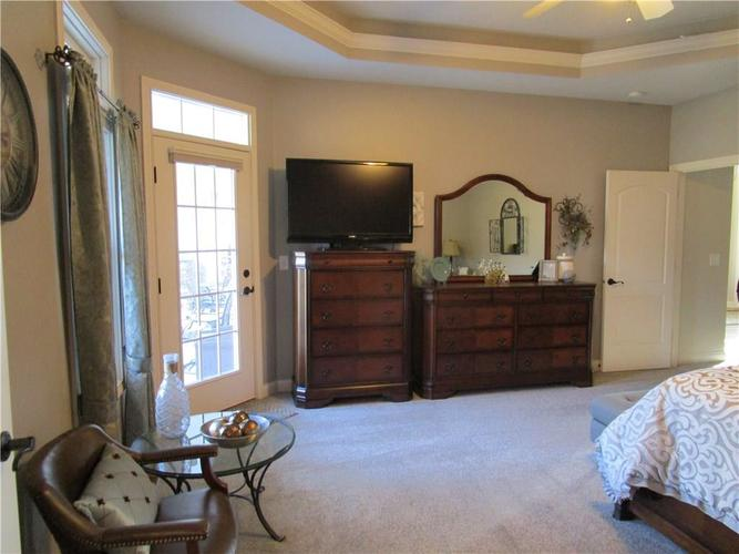 5866 Peaking Fox Drive Indianapolis, IN 46237 | MLS 21684549 | photo 22