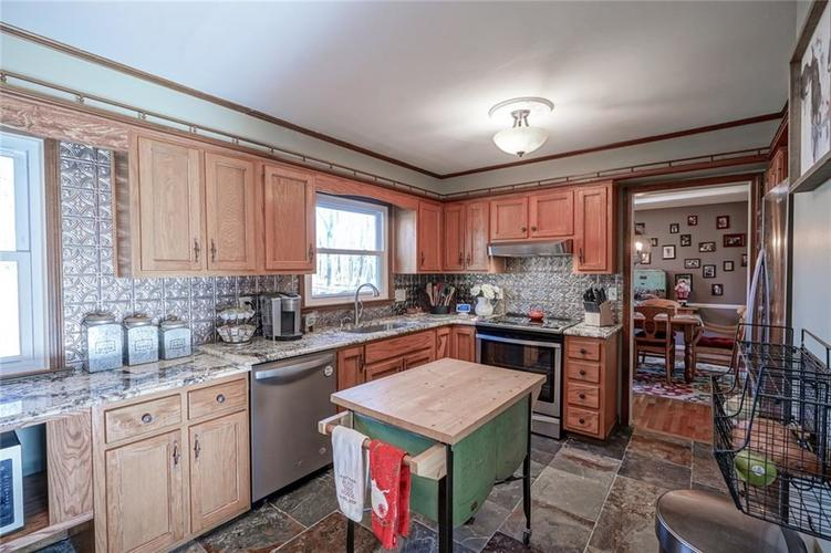 1508 Brewster Road Indianapolis, IN 46260 | MLS 21684688 | photo 10