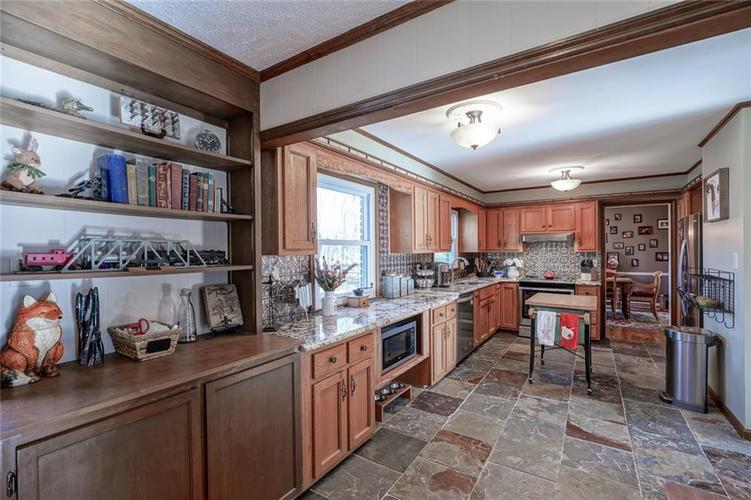 1508 Brewster Road Indianapolis, IN 46260 | MLS 21684688 | photo 11
