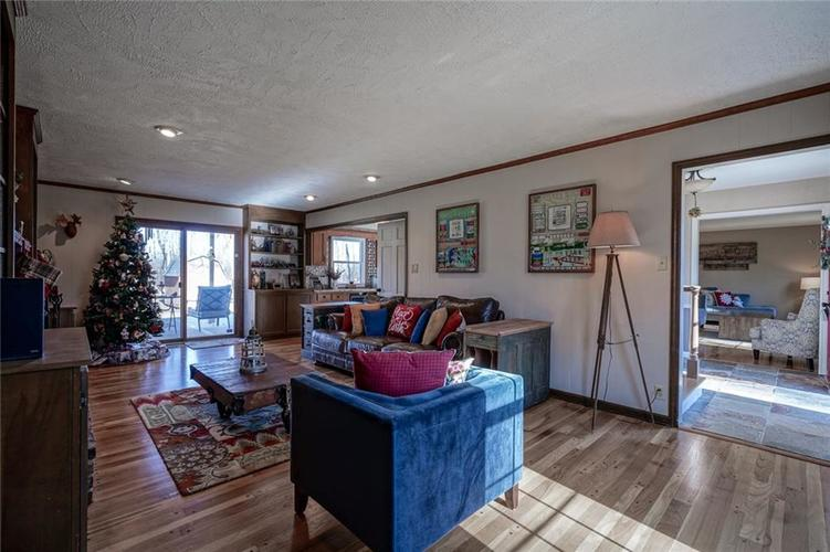 1508 Brewster Road Indianapolis, IN 46260 | MLS 21684688 | photo 14