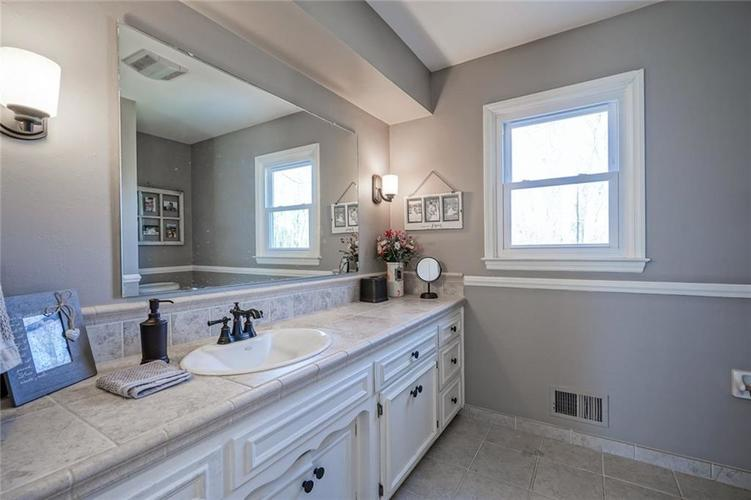1508 Brewster Road Indianapolis, IN 46260 | MLS 21684688 | photo 29