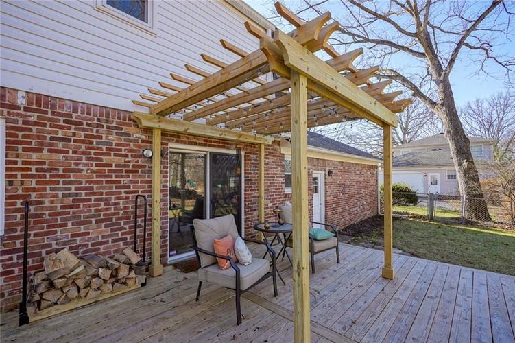 1508 Brewster Road Indianapolis, IN 46260 | MLS 21684688 | photo 4