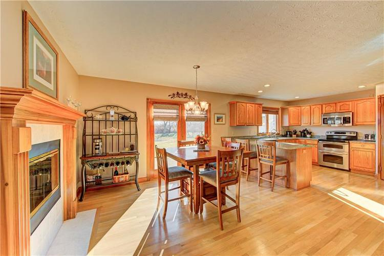 1309 Forest Commons Drive Avon, IN 46123   MLS 21684747   photo 10