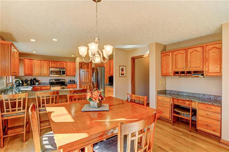 1309 Forest Commons Drive Avon, IN 46123   MLS 21684747   photo 12