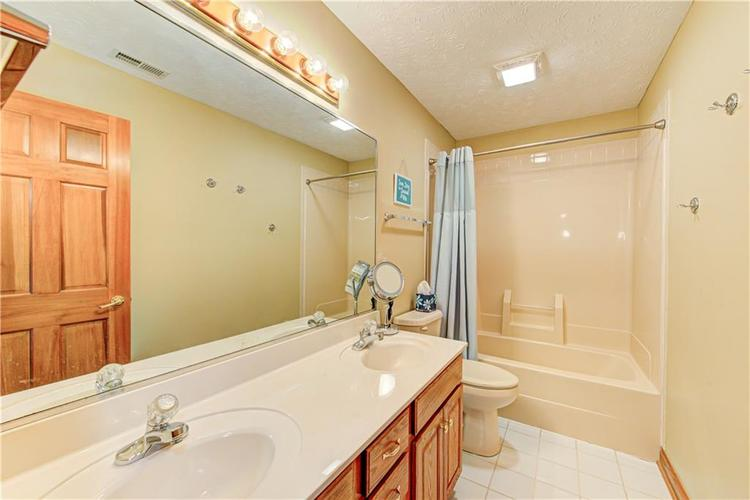 1309 Forest Commons Drive Avon, IN 46123   MLS 21684747   photo 41