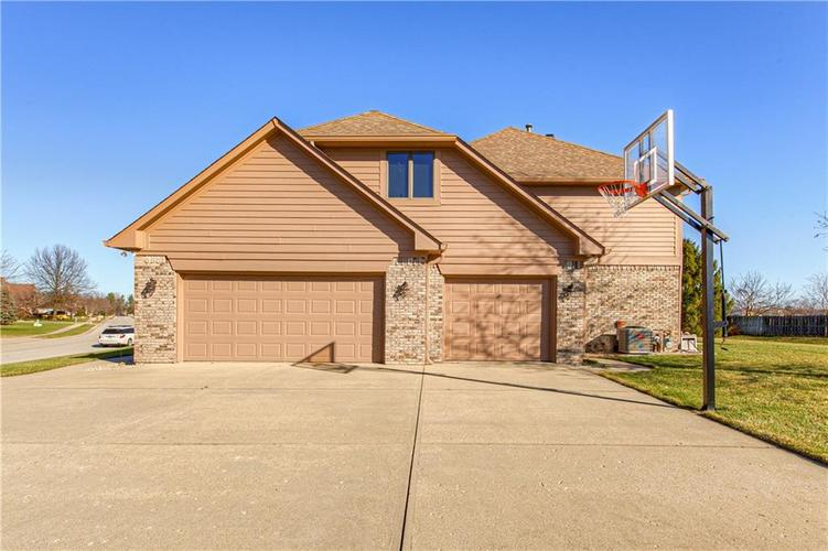1309 Forest Commons Drive Avon, IN 46123   MLS 21684747   photo 46