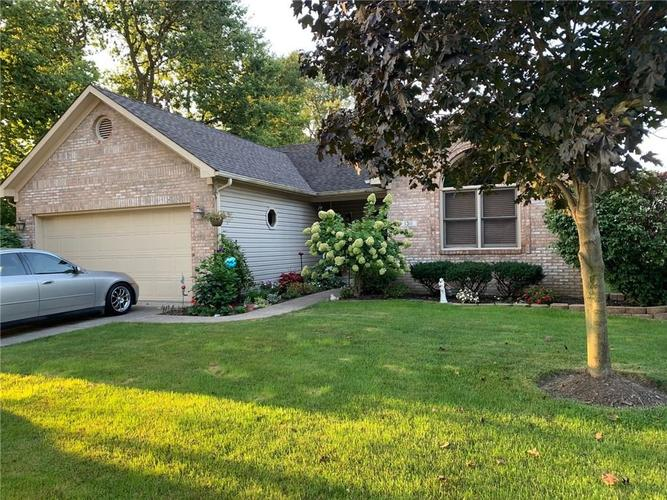 1311 Old Hickory Drive Greenwood, IN 46142 | MLS 21684758 | photo 1