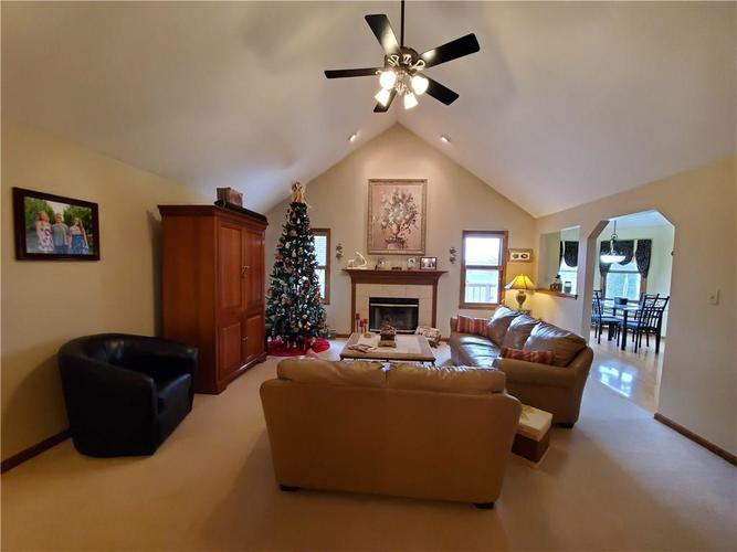 1311 Old Hickory Drive Greenwood, IN 46142 | MLS 21684758 | photo 16