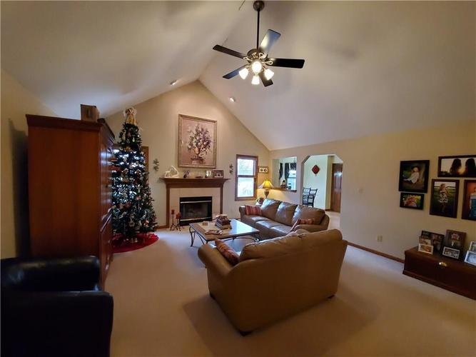 1311 Old Hickory Drive Greenwood, IN 46142 | MLS 21684758 | photo 18