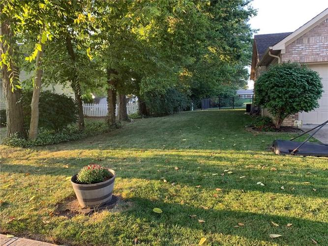 1311 Old Hickory Drive Greenwood, IN 46142 | MLS 21684758 | photo 6