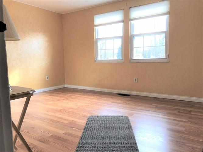 7911 Catawba Court Indianapolis, IN 46217 | MLS 21684791 | photo 11