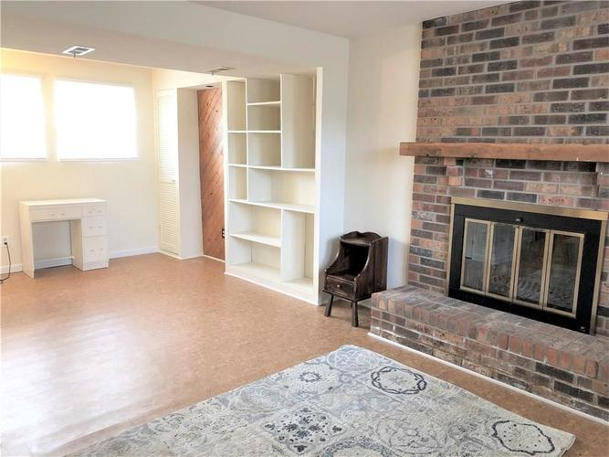 7911 Catawba Court Indianapolis, IN 46217 | MLS 21684791 | photo 3