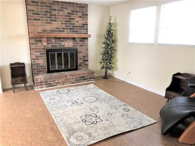 7911 Catawba Court Indianapolis, IN 46217 | MLS 21684791 | photo 5