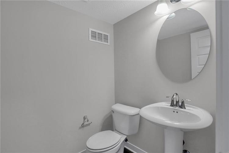 3503 Brampton Lane Westfield, IN 46074 | MLS 21684921 | photo 5