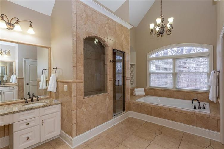 19493 Cumberland Road Noblesville, IN 46060 | MLS 21684963 | photo 19