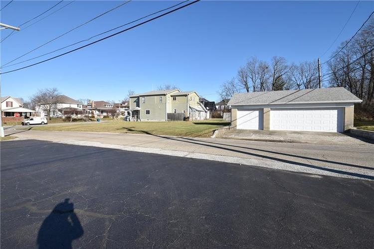 403 E Main Street Greenfield, IN 46140 | MLS 21684975 | photo 2