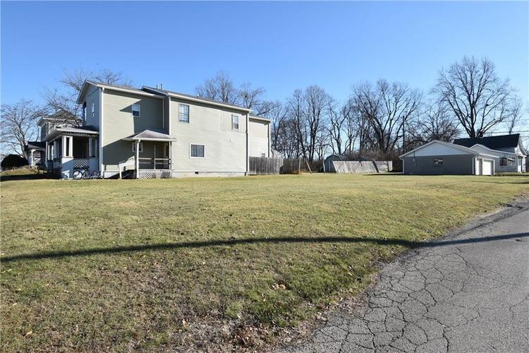 403 E Main Street Greenfield, IN 46140 | MLS 21684975 | photo 5