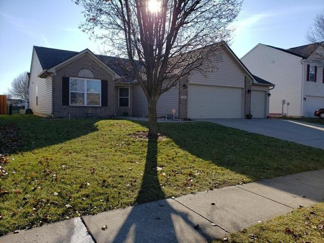 6705  Southern Cross Drive Indianapolis, IN 46237   MLS 21684984