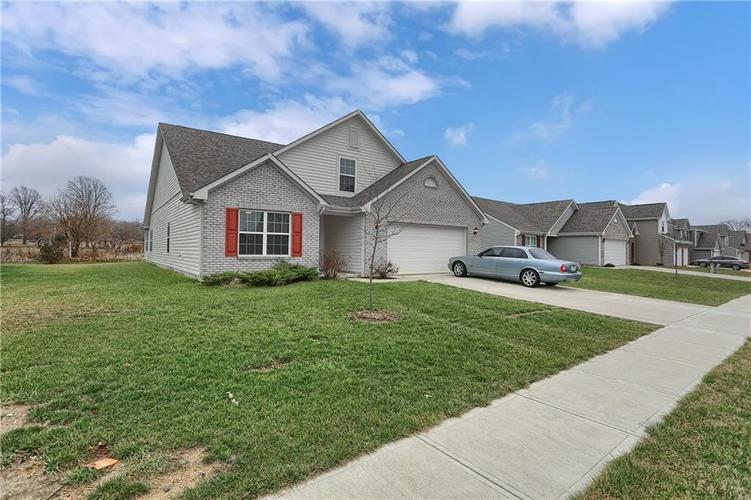 1749 Jessica Drive Indianapolis, IN 46239   MLS 21685201   photo 2