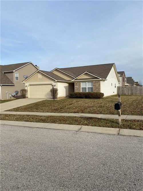 5439 BOMBAY Drive Indianapolis, IN 46239 | MLS 21685381 | photo 1