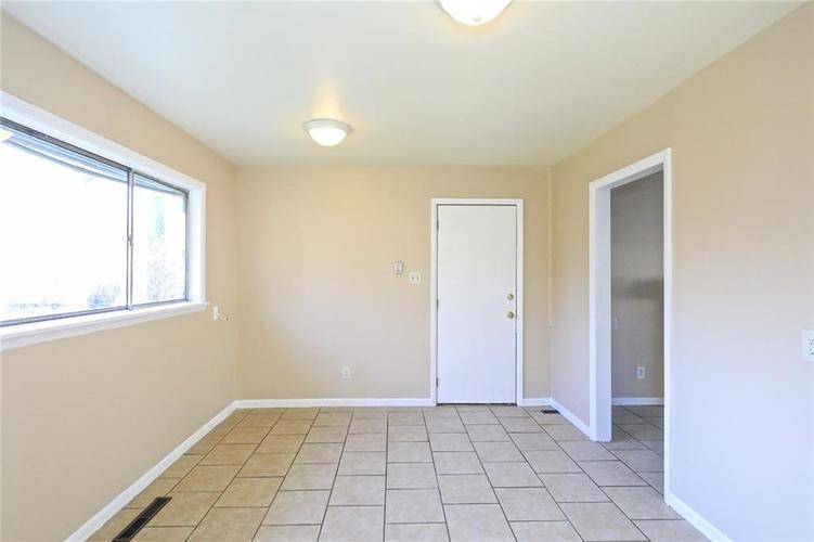 6131 E 40th Street Indianapolis, IN 46226   MLS 21685437   photo 7