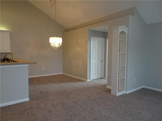 11348 WINDING WOOD Court Indianapolis, IN 46235 | MLS 21685464 | photo 21