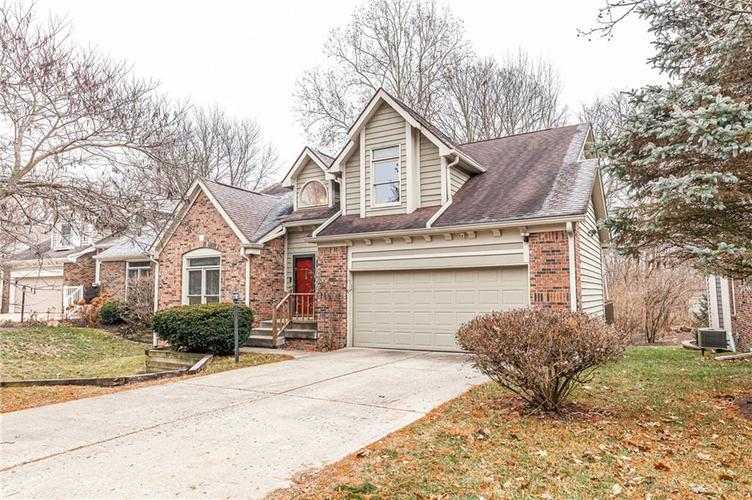 5429 White Willow Court Indianapolis, IN 46254 | MLS 21685557 | photo 2